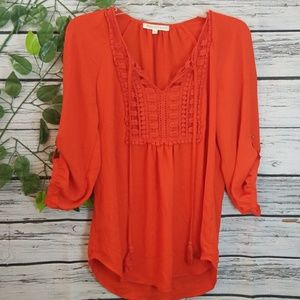 Like new Dainel Rainn flowy crochet front blouse